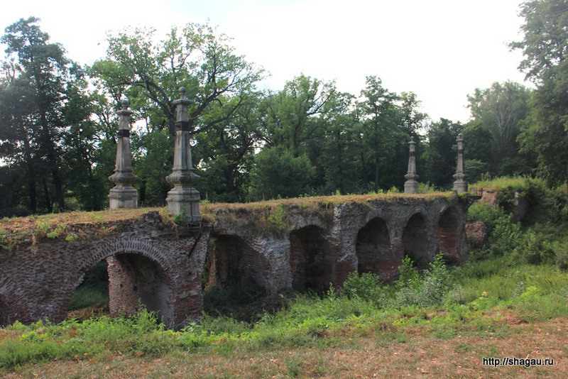 Усадьба Кирицы. Мост любви