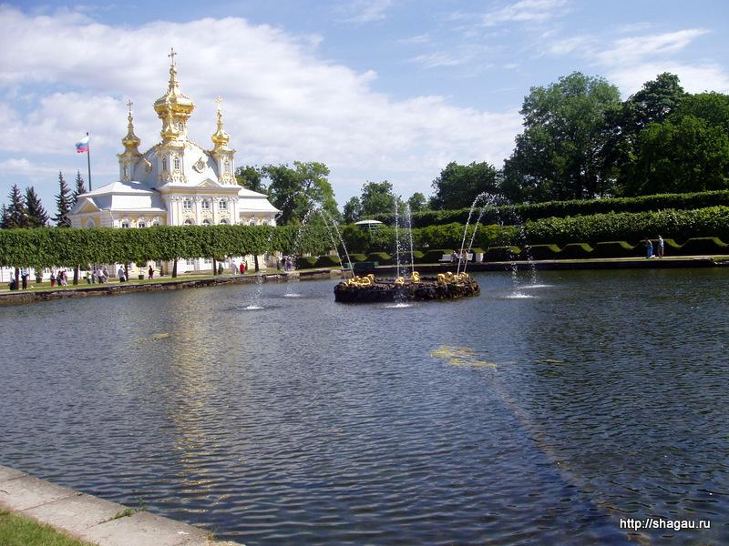 В верхнем парке Петергофа