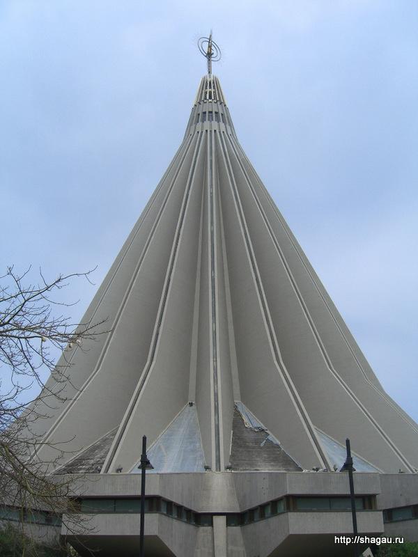 Сиракузы. Церковь плачущей мадонны