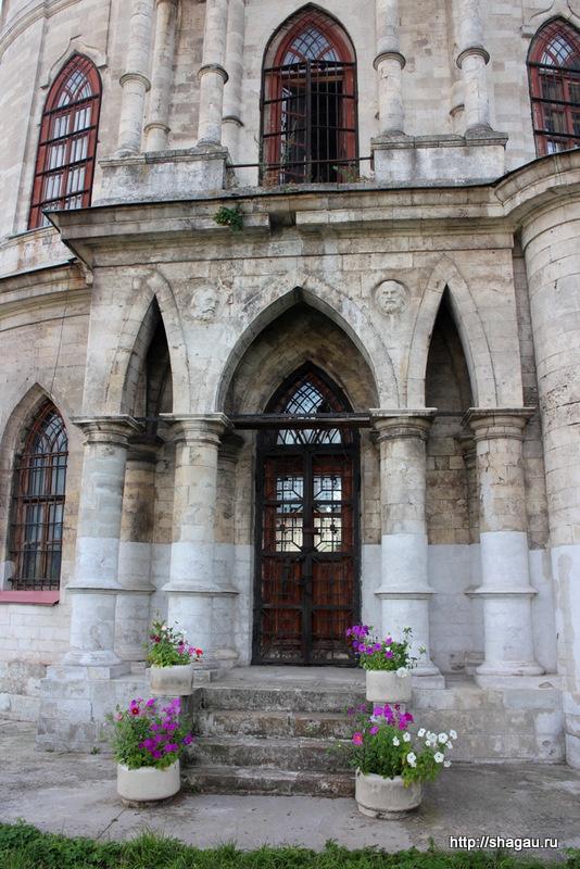 Фасад Владимирской церкви