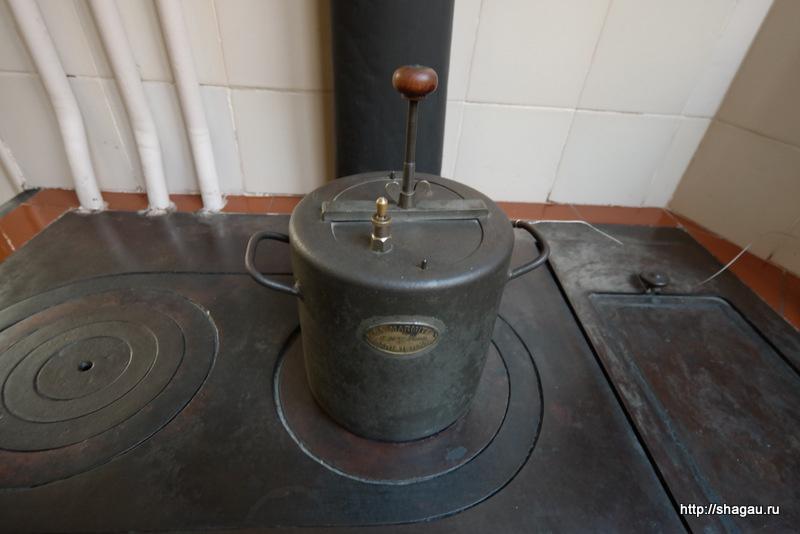 Плита на кухне в квартире Мила