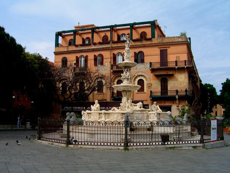 Сицилия. Мессина, фонтан Орион