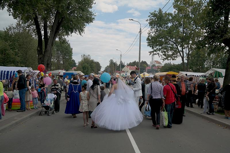 Все здесь, даже невесты