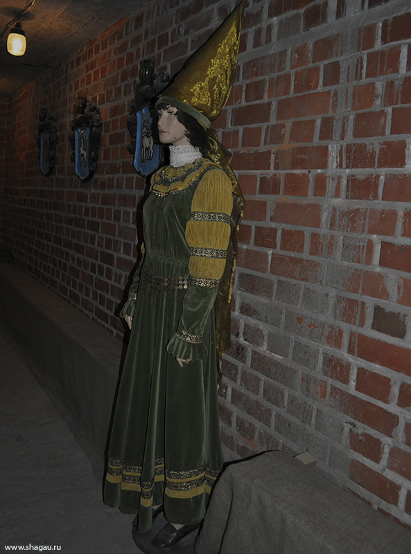 Средневековый манекен