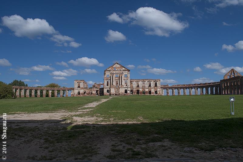 Руины Дворца Сапегов