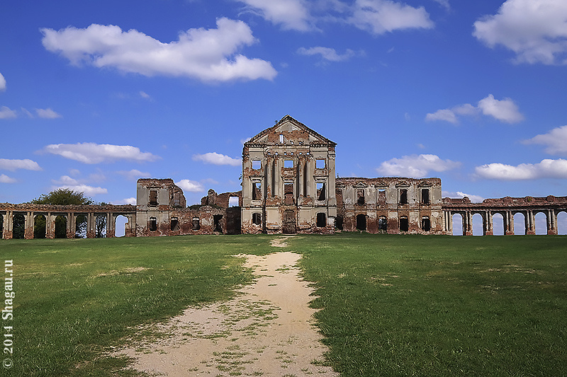 Дворец Сапегов в Ружанах