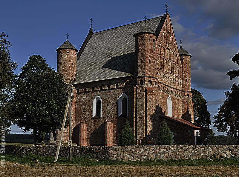 Церковь в деревне Сынковичи