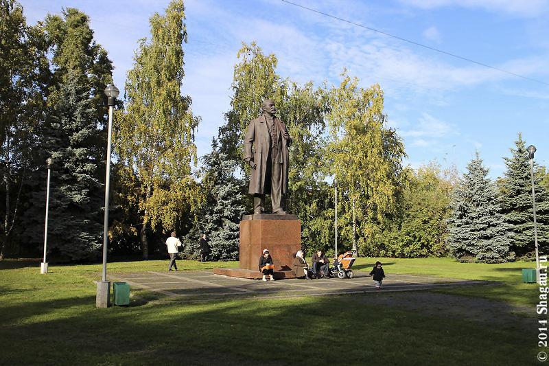 Памятник Ленину около Академии имени Тимирязева