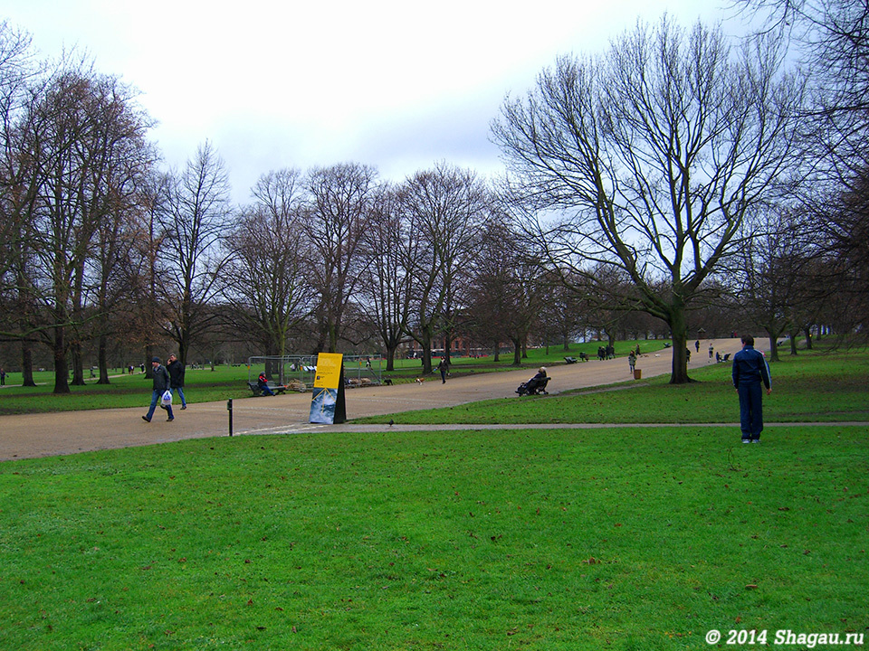 В парках Лондона