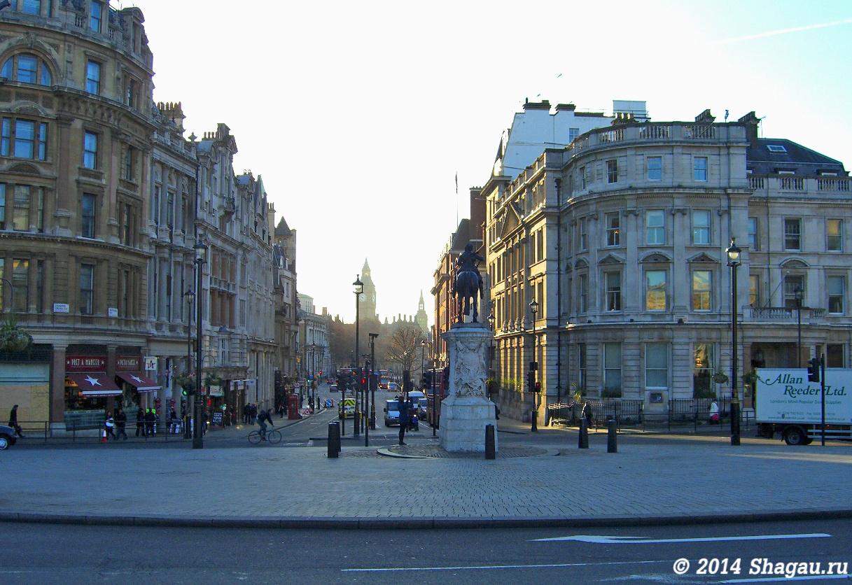 Вид на Уайтхолл с Трафальгарской площади