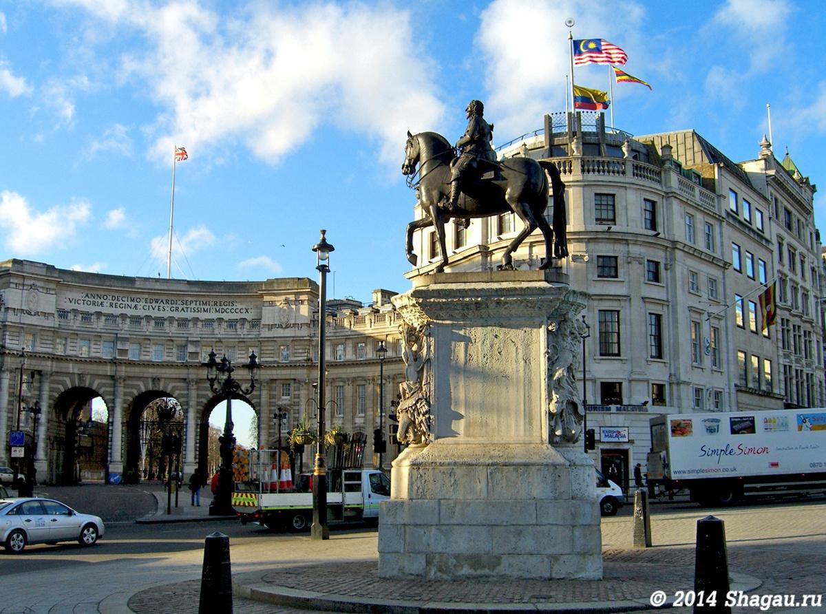 Самый первый конный памятник Лондона — статуя Карла I