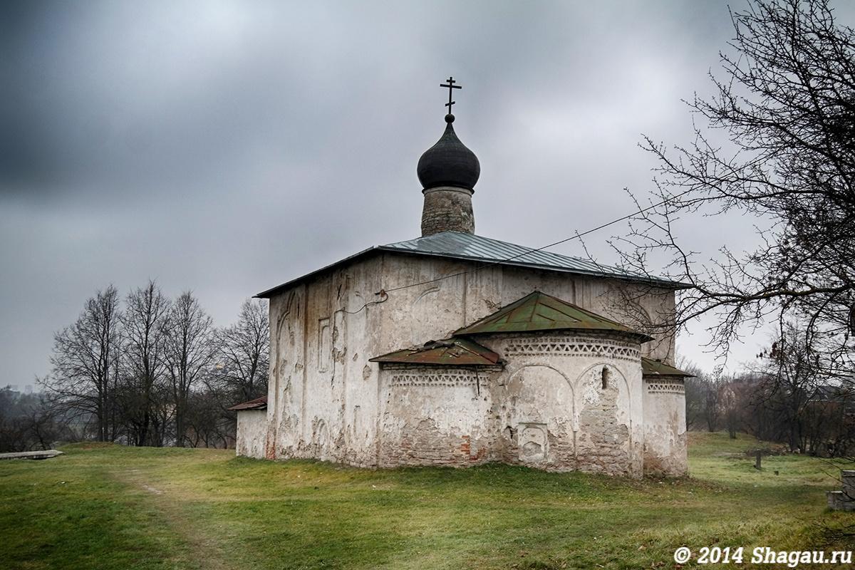 Церковь около Гремячей башни