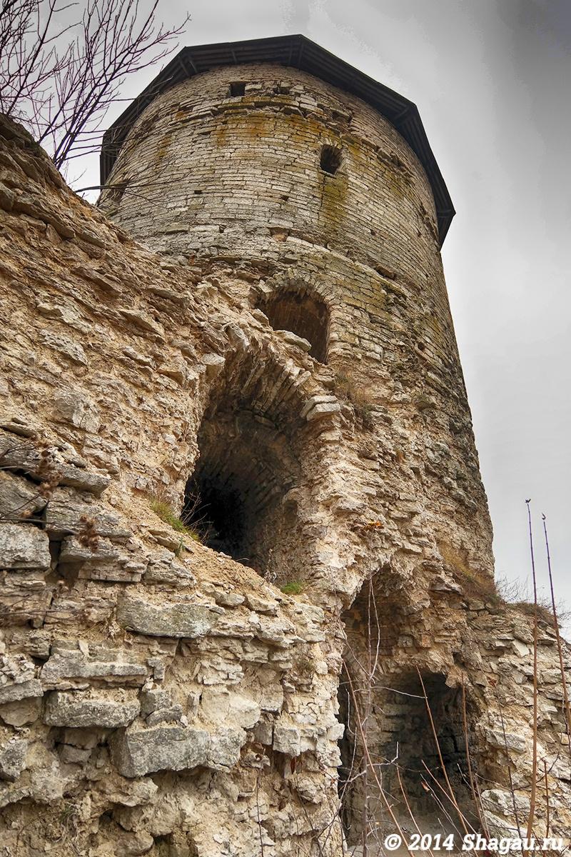 Псковская Гремячая башня