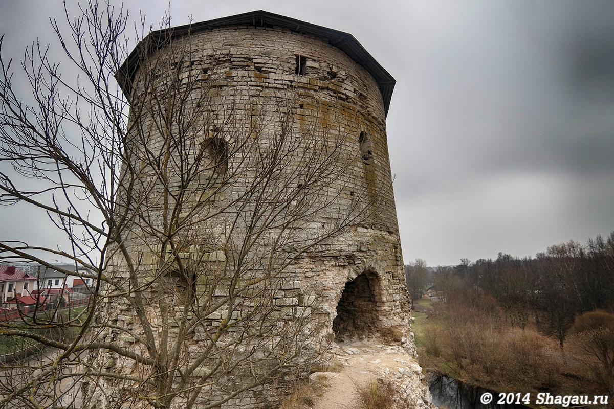 Гремячая башня Псков