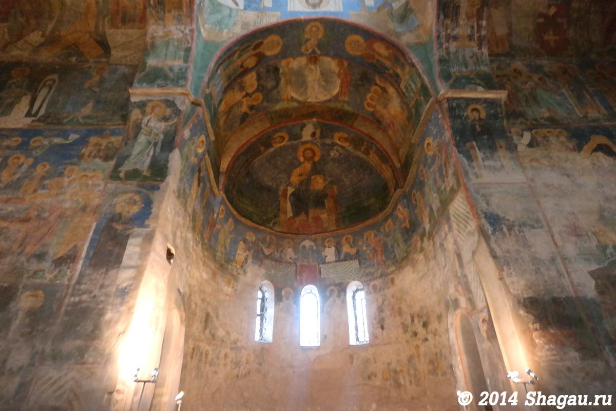 Восточная часть собора