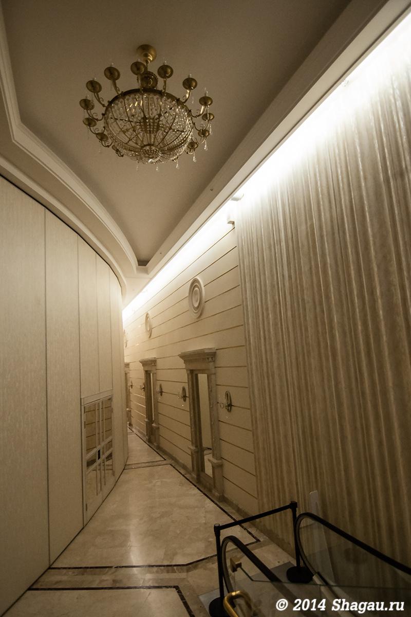 Около Бетховского зала