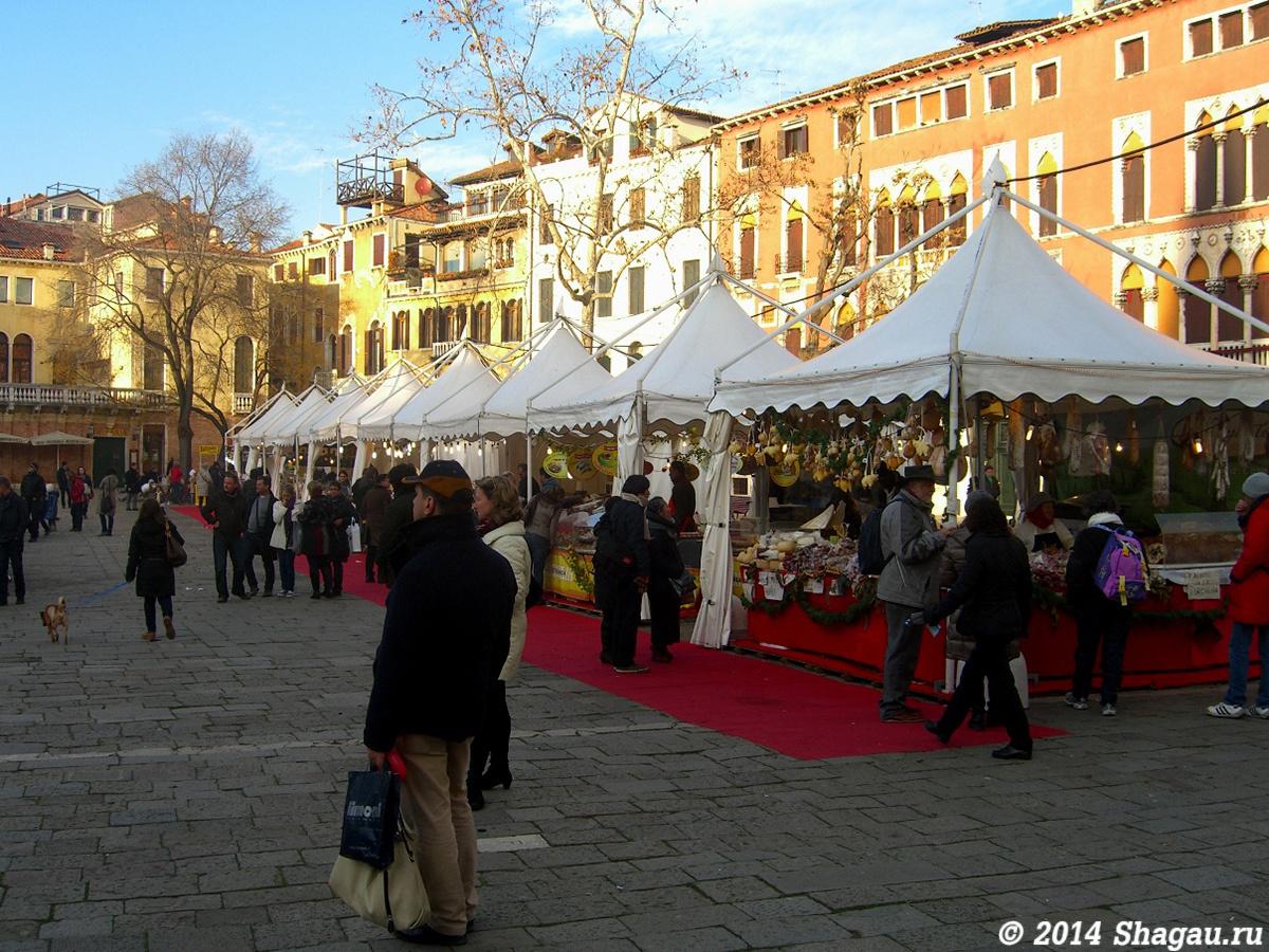 Рождественский рынок Венеции