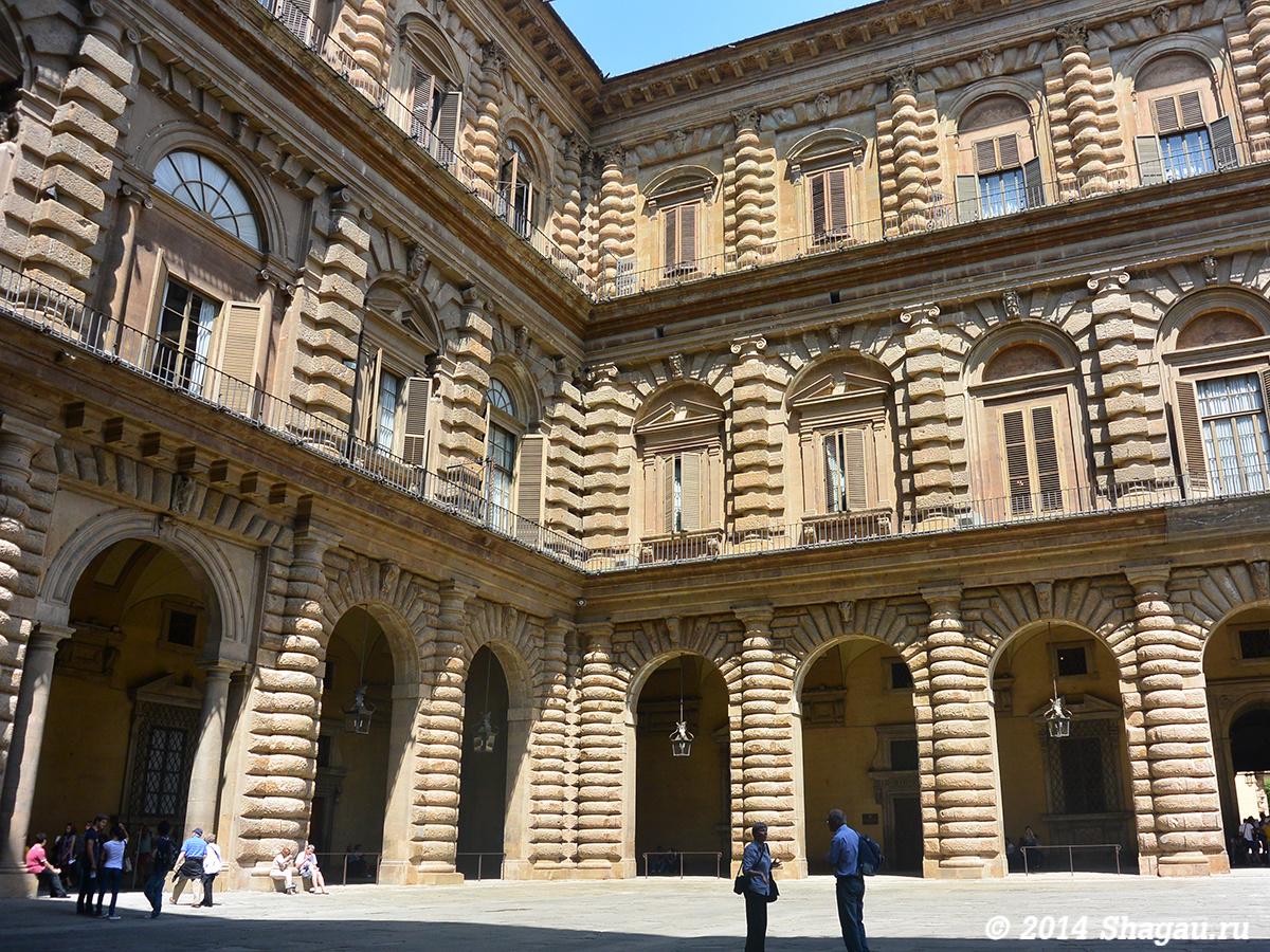 Внутренний дворц дворца Питти