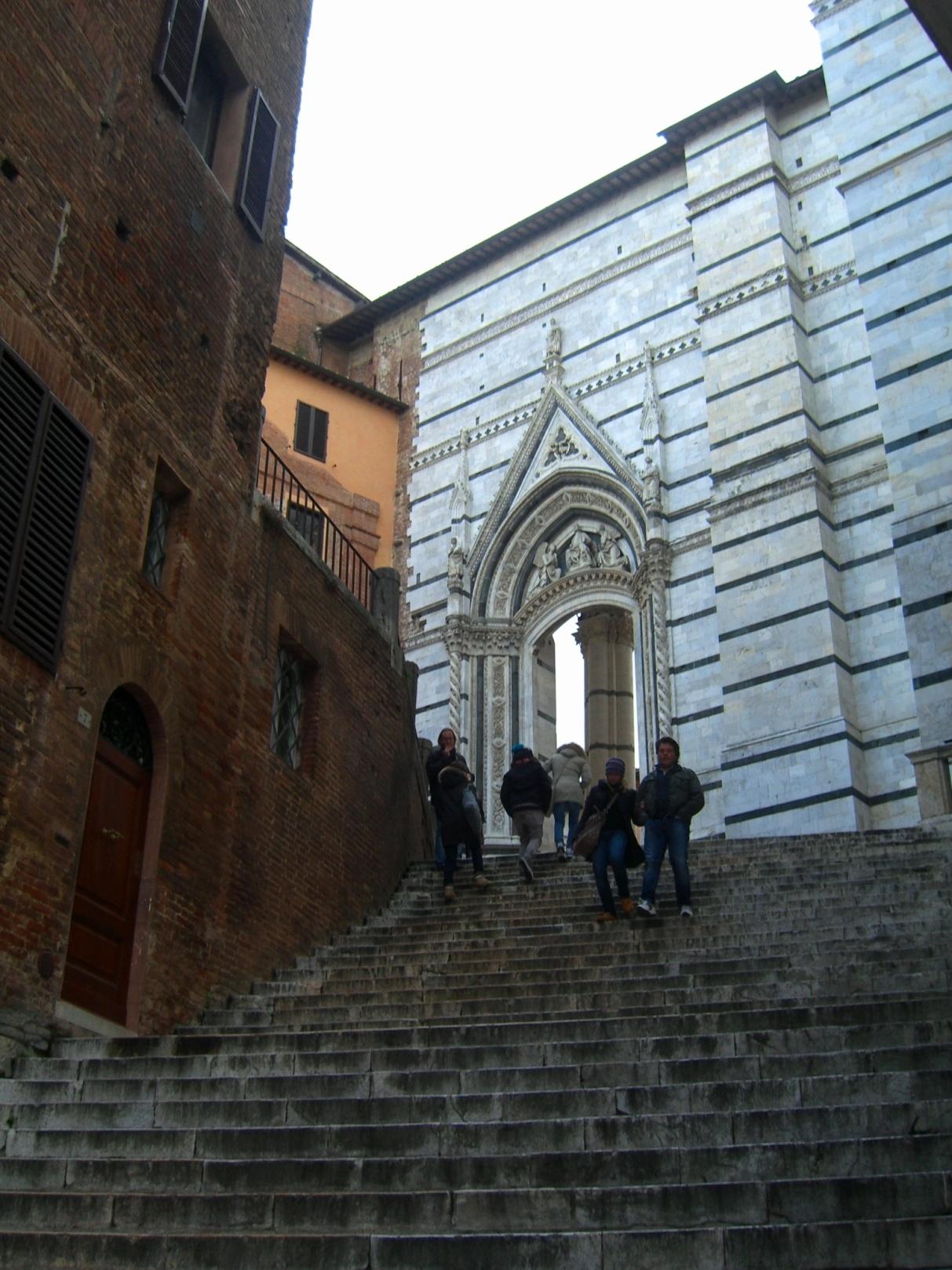 По дороге в Собор Сиена