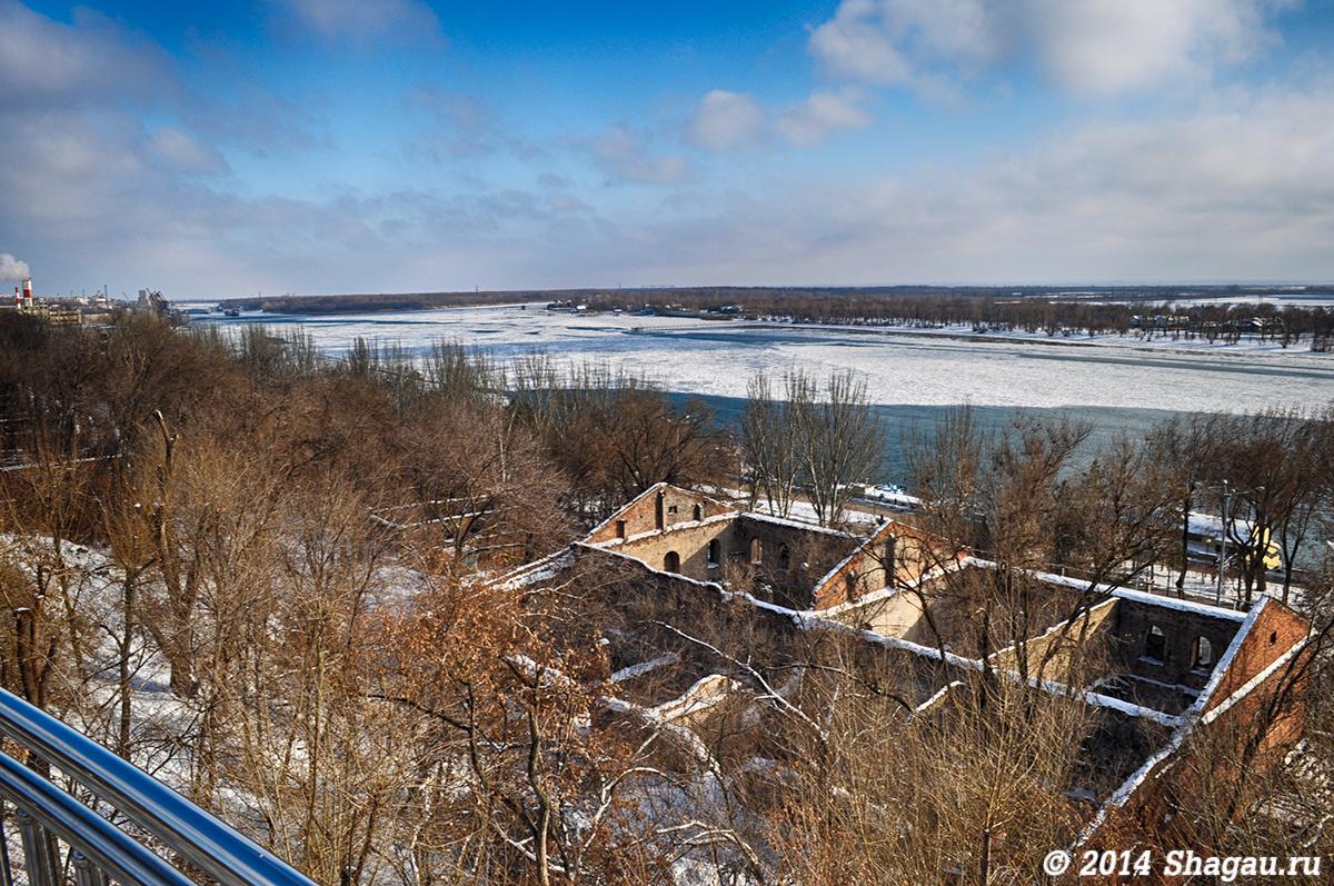 Вид на Дону и Парамоновы склады