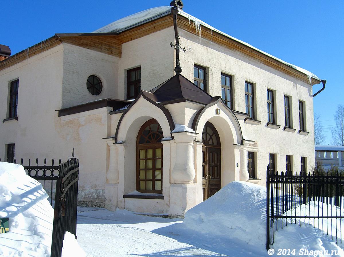 Настоятельский корпус в монастыре