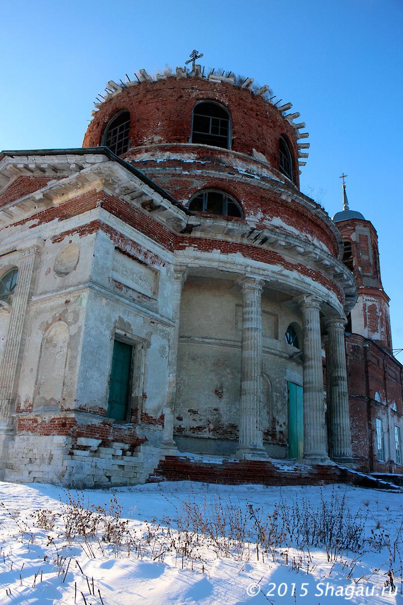 Церковь в Истье