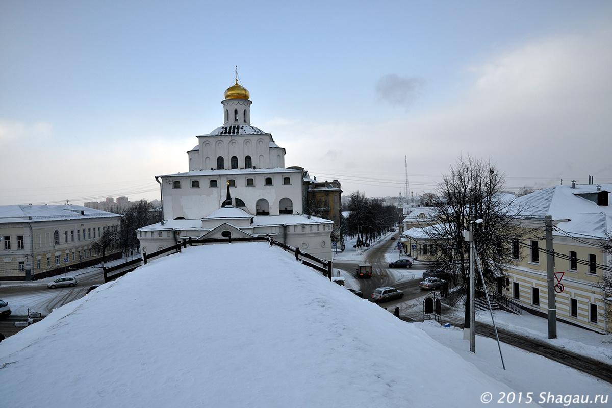 Золотые ворота Владимира, вид с высоты крепостного вала