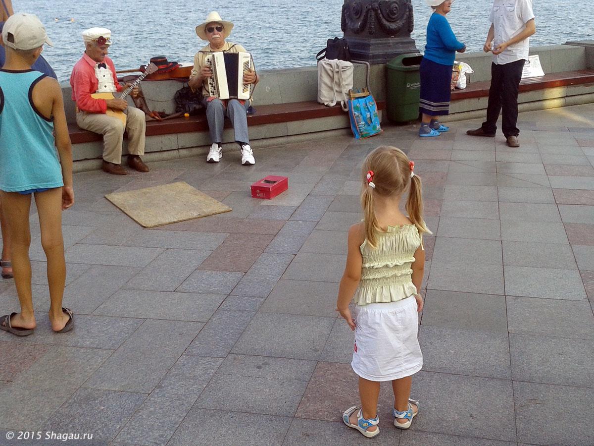 Музыканты на набережной