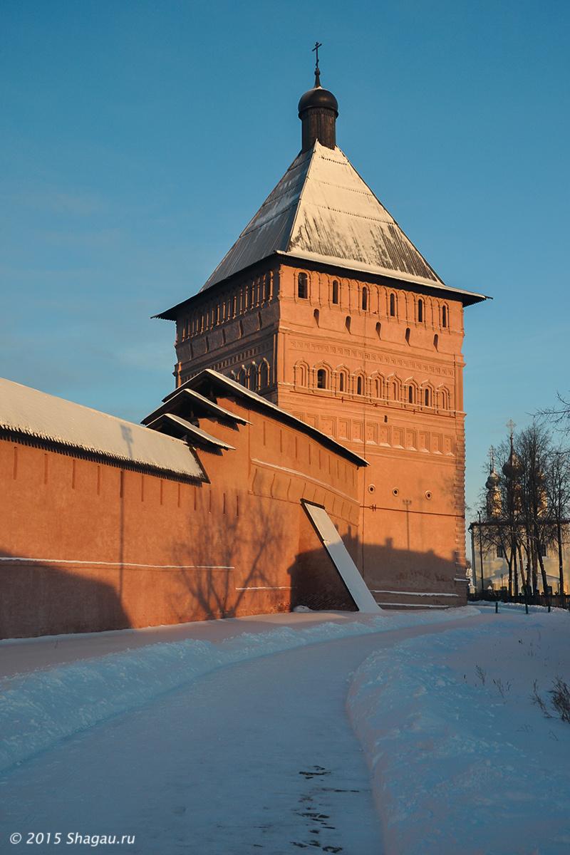 Проездная башня