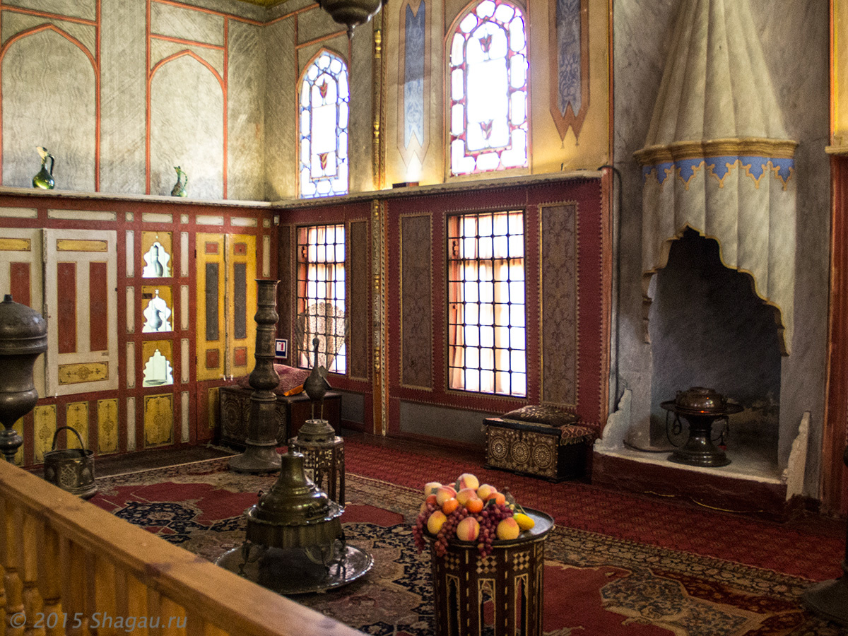 В Бахчисарайском дворце. фото Нины Пятницкой