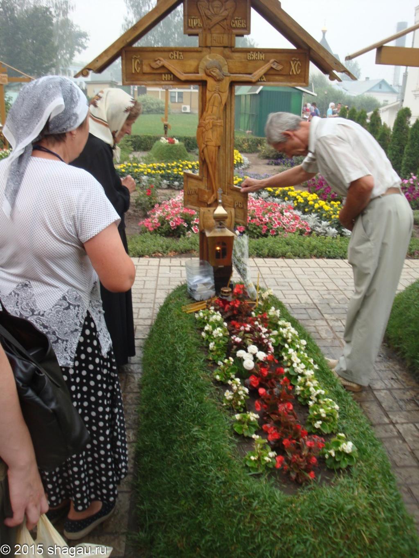 Могила Владимира Шикина