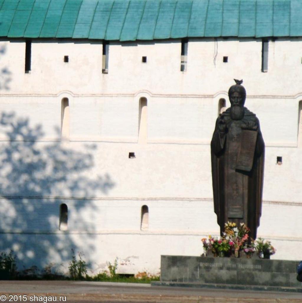 Памятник «Благословение Сергия Радонежского»
