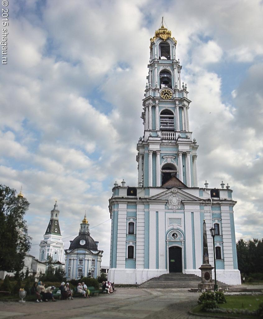 Царь-колокол в москве - одна из достопримечательностей