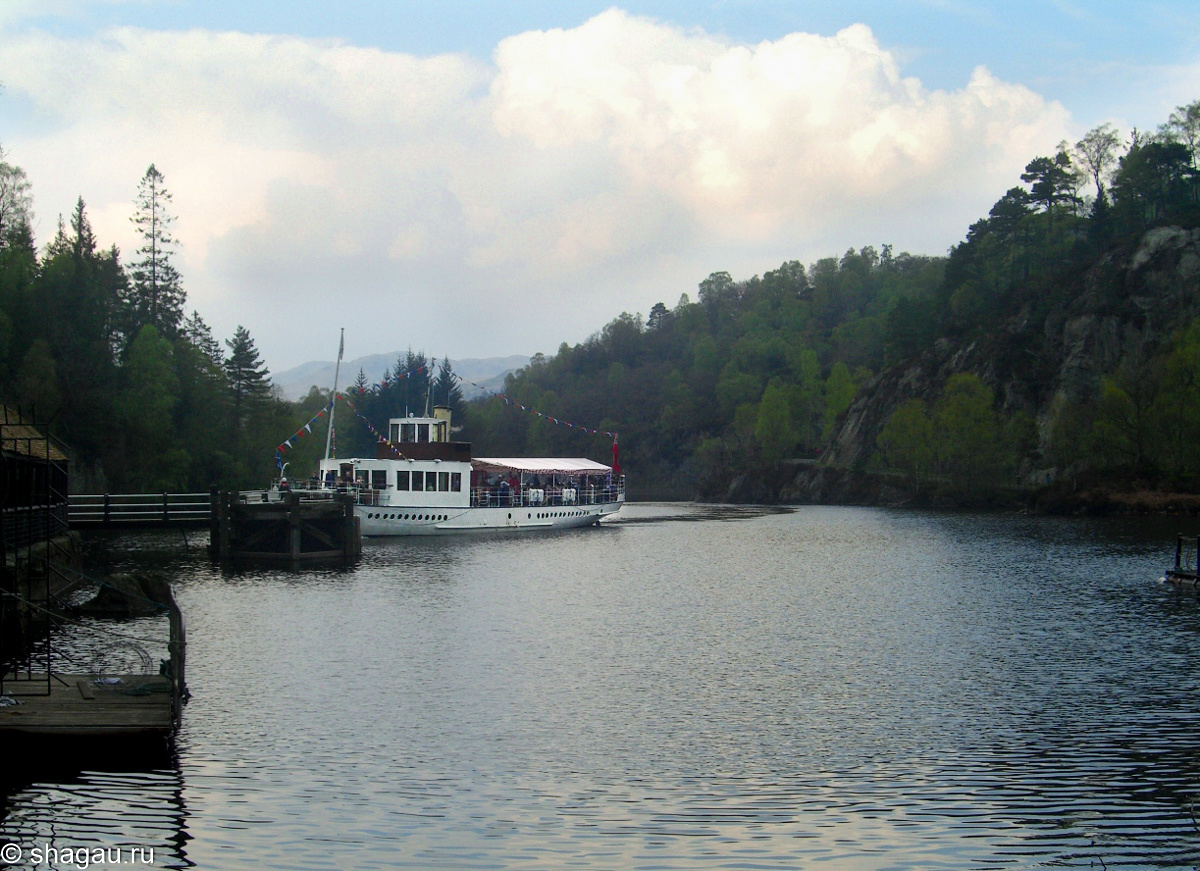Кораблик на озере Лох-Катрин