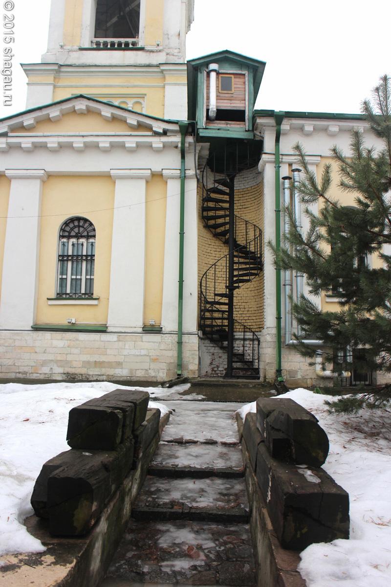 Лестница к колокольне