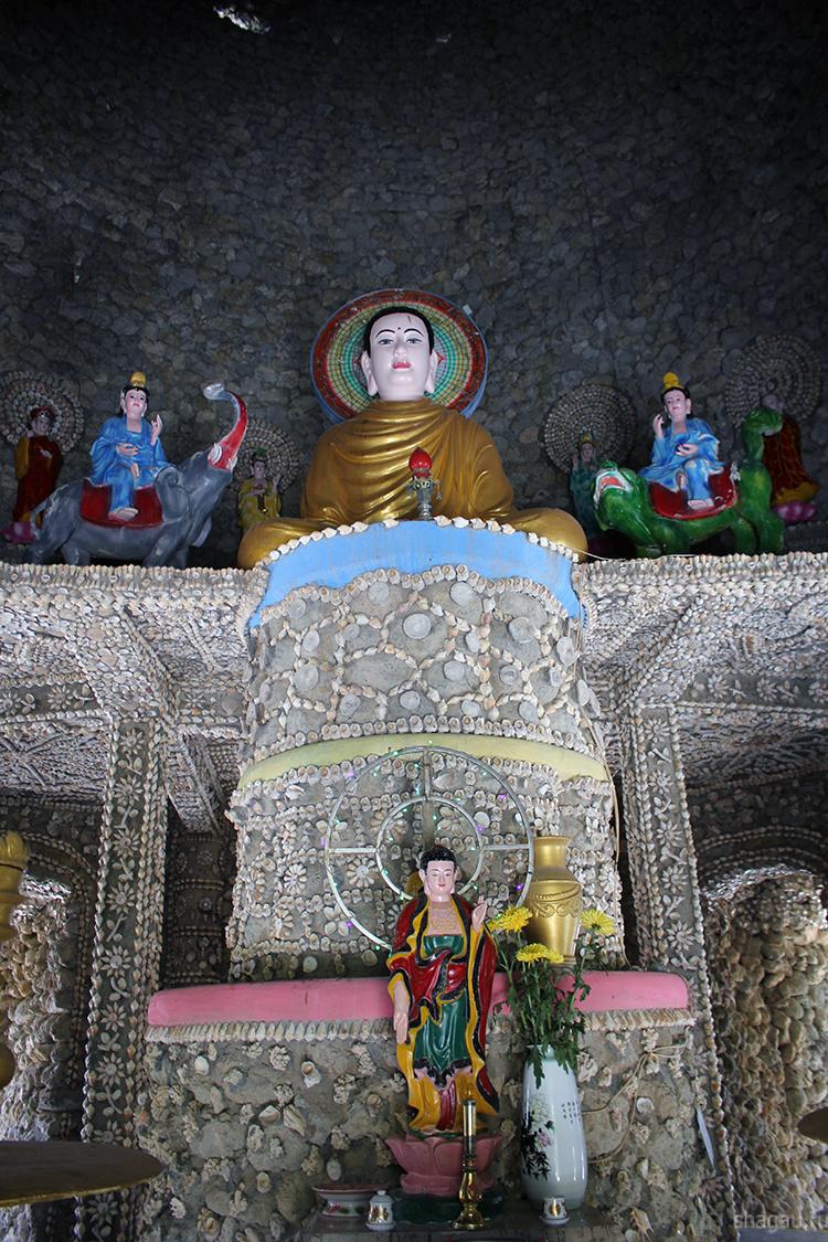 Храм ракушек и лабиринт дракона в Нячанге
