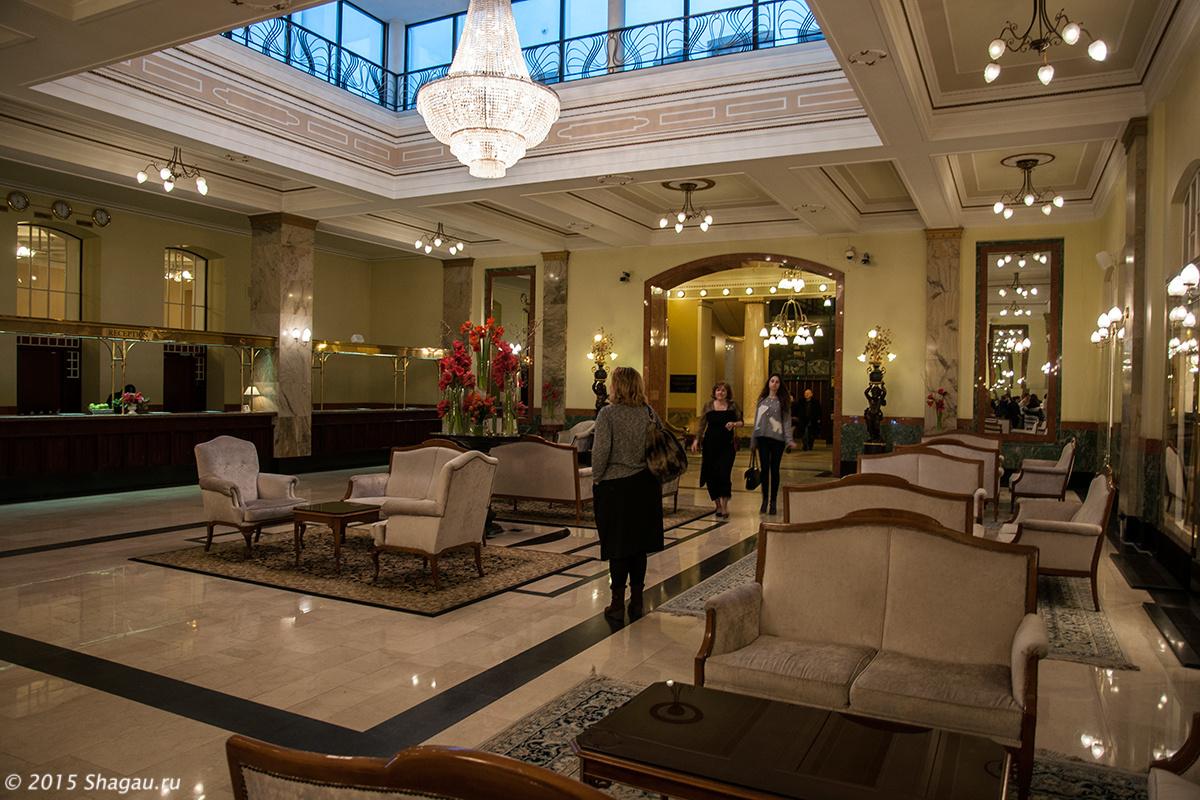 Новый холл гостиницы
