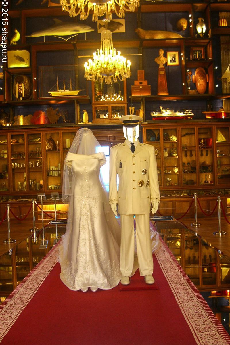 свадебные наряды принца Альберта II и его невесты Шарлин