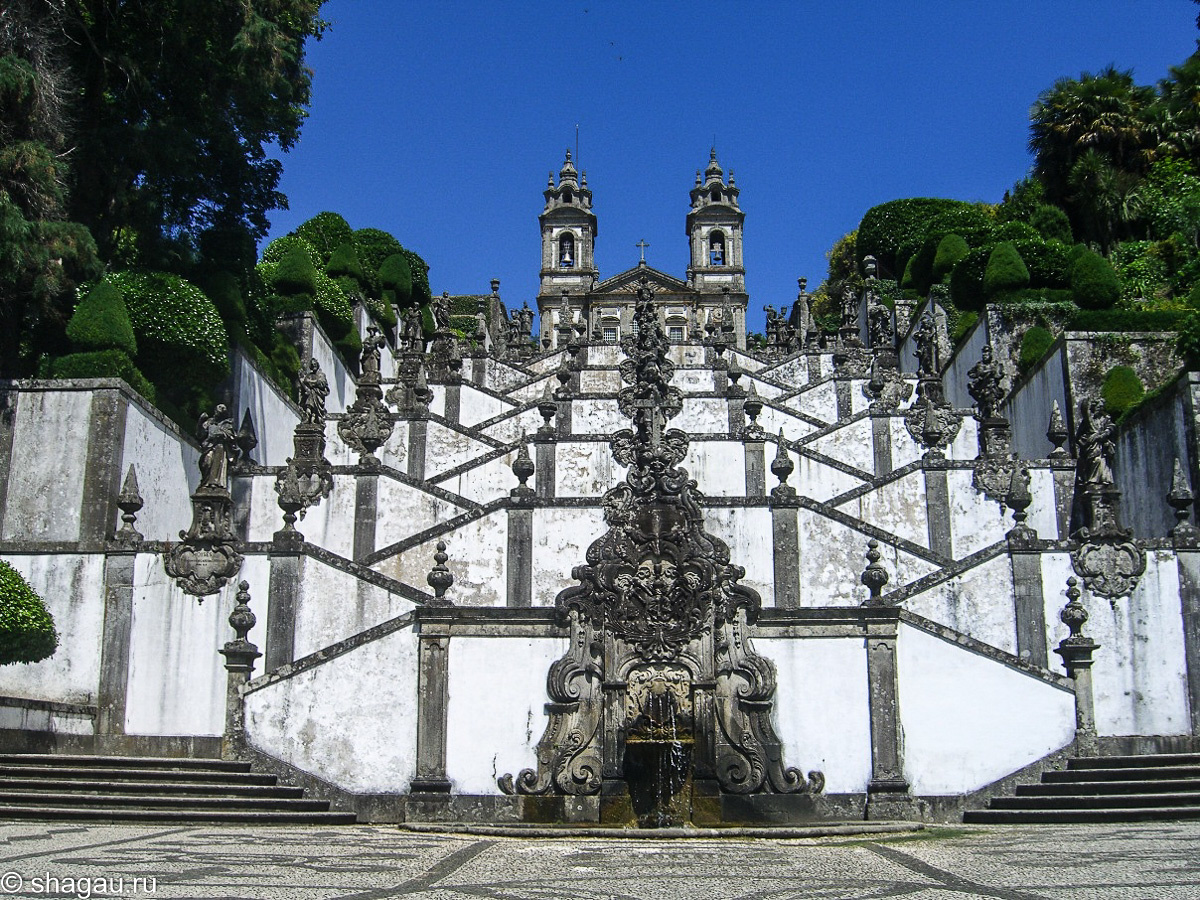 храмовый комплекс Бон-Жезуш-ду-Монте.
