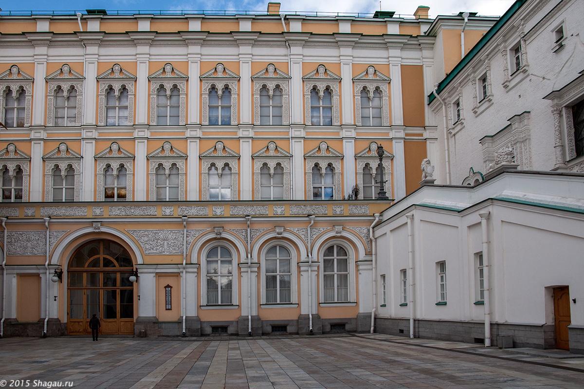 Вход в Большой Кремлевский дворец