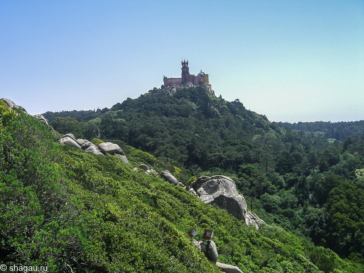 Вид на замок Пена