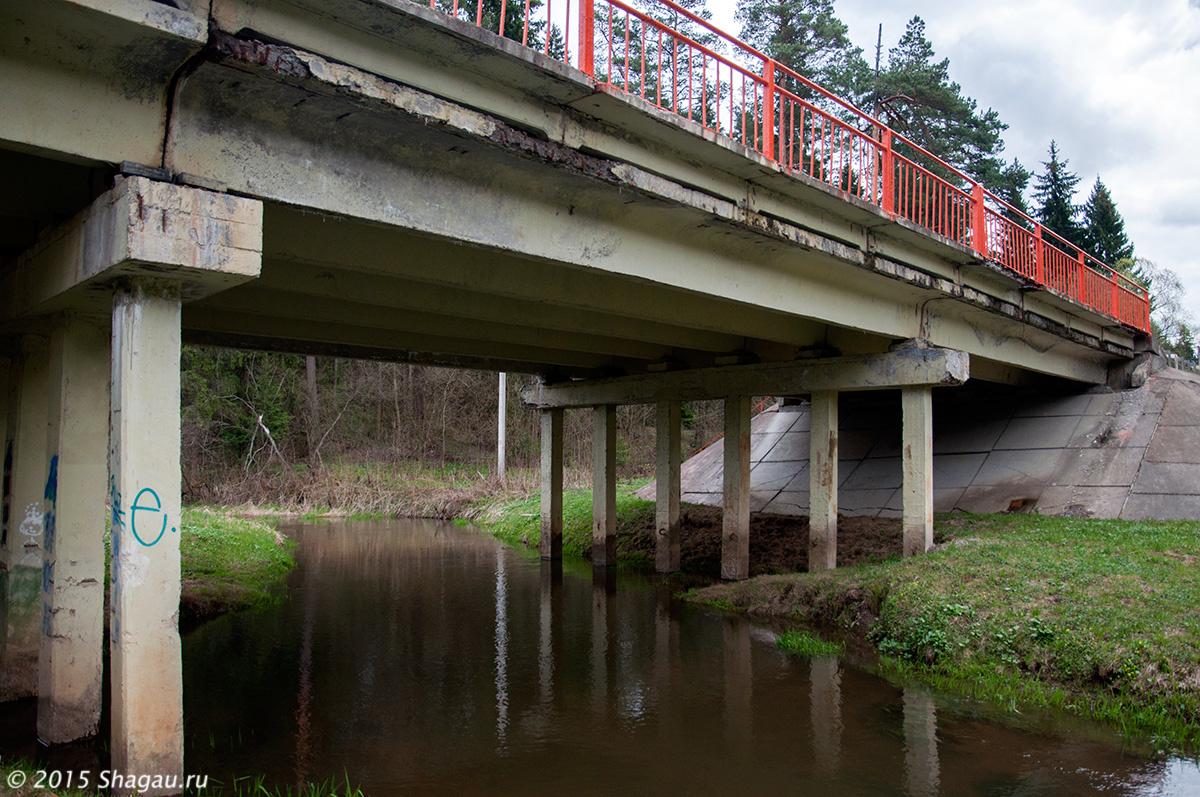 Мост над рекой Сторожкой