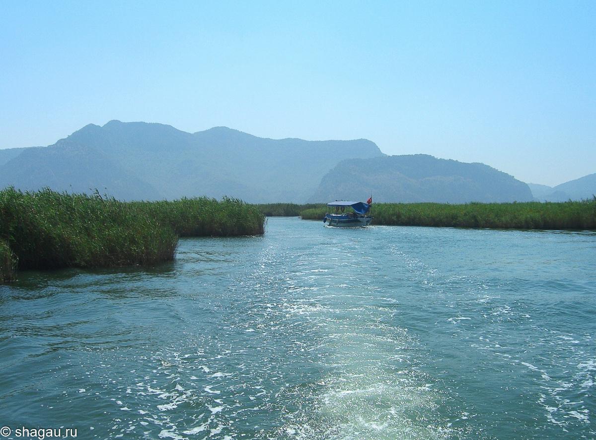 По реке Дальян