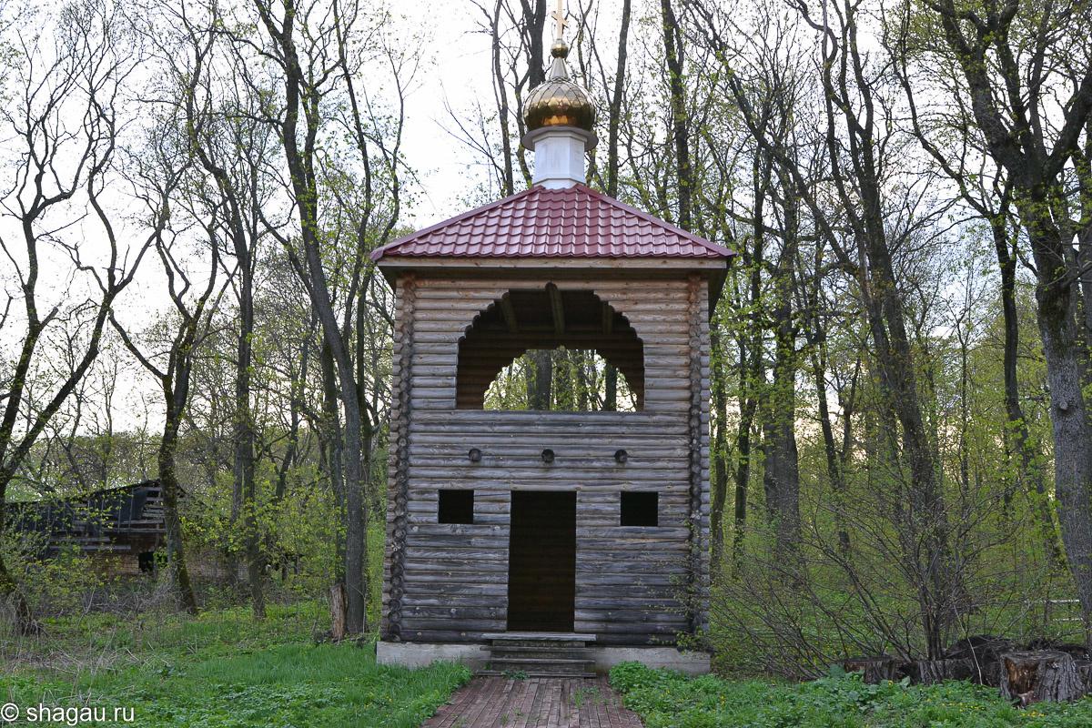 маленькая деревянная часовня