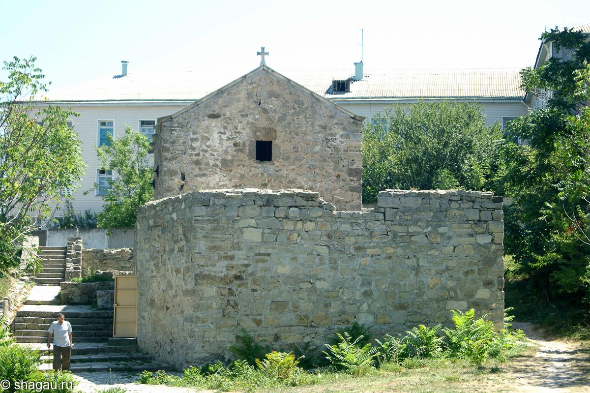 Армянская церковь, построенная в 14 веке – Храм Иоанна Богослова