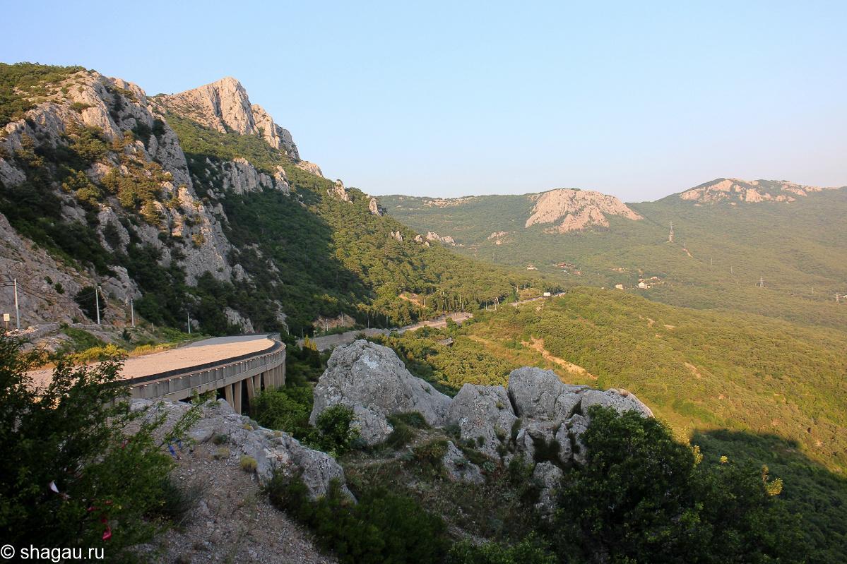 Вид на шоссе со скалы Гарина-Михайловского