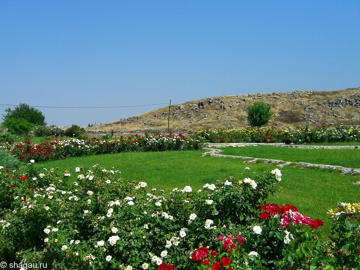 У входа в Иераполис