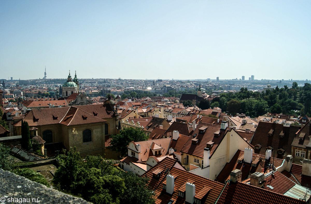 вид на Прагу с Градчанской площади