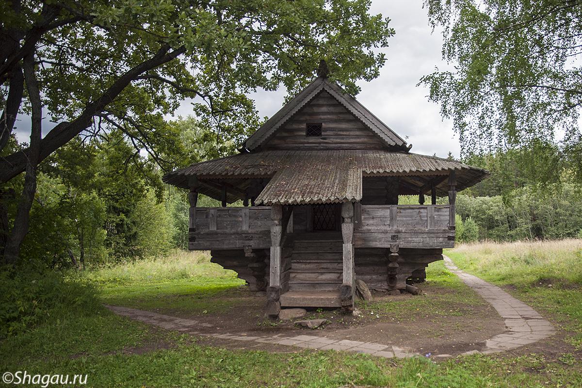 В музее деревянного зодчества Василево