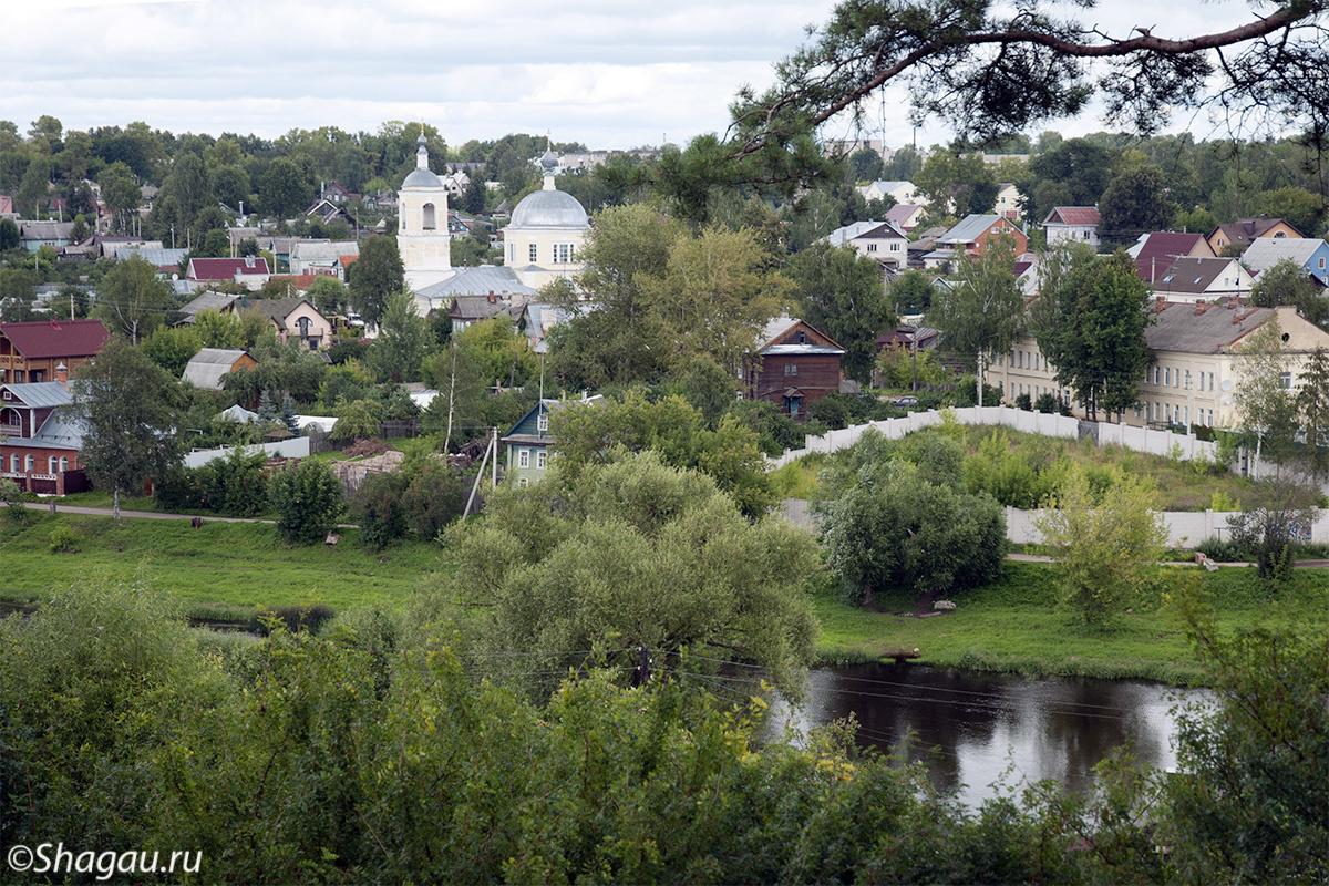 Вид от Вознесенской церкви на Тверцу